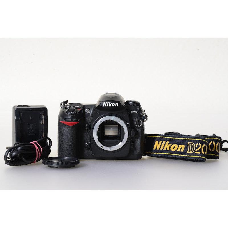 Nikon D200 (27166 Auslösungen)