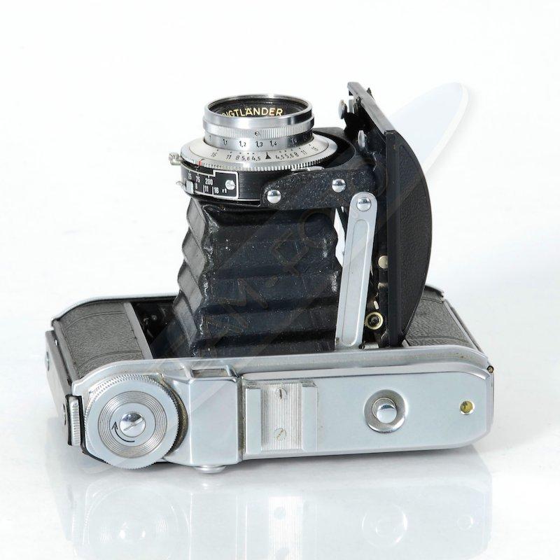 voigtl nder perkeo 1 kamera mit vaskar 4 5 80 vario typ. Black Bedroom Furniture Sets. Home Design Ideas