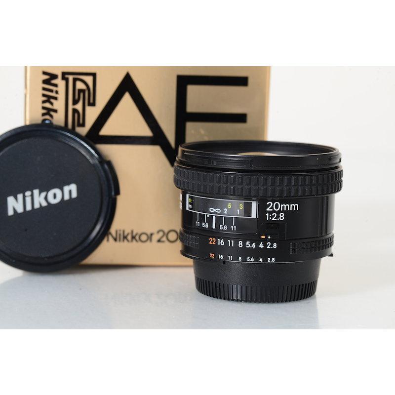Nikon AF 2,8/20