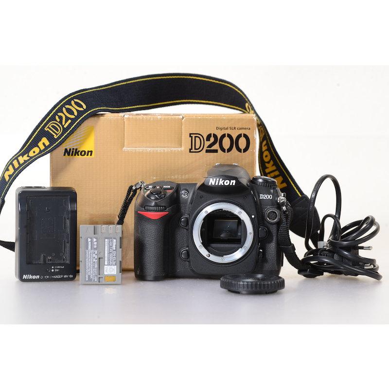 Nikon D200 (31494 Auslösungen)