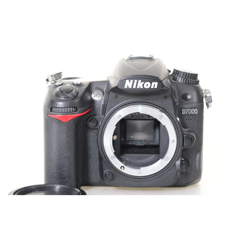 Nikon D7000 (Batteriefachdeckel fehlt) (36579 Auslösungen)