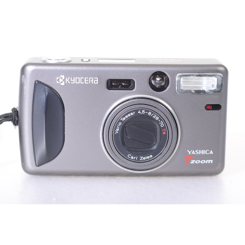 Yashica T Zoom+Vario Tessar 4,5-8,0/28-70 T*