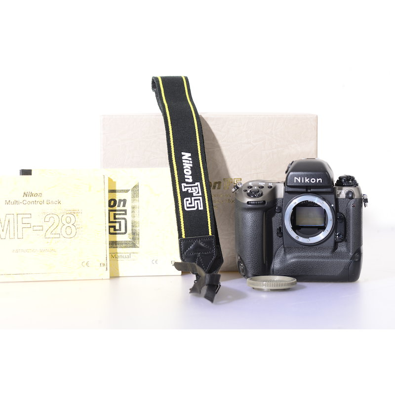 Nikon F5 50th Anniversary Model+Datenrückwand MF-28