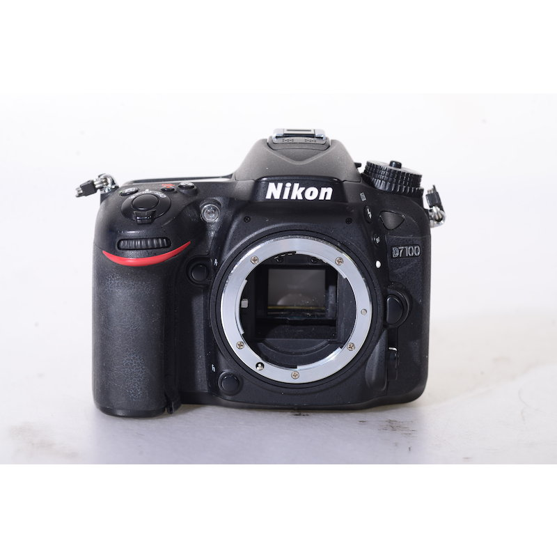 Nikon D7100 (Vorschaudisplay defekt) (24719 Auslösungen)